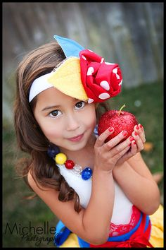 Snow White inspired Rosie Hair Fascinator & by rossandrosiedesigns, $40.00