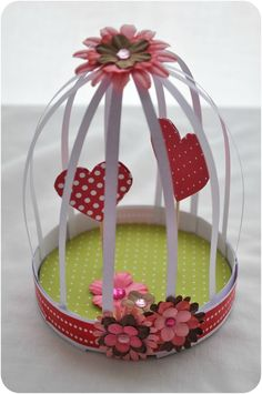 DIY fête des grand-mères - Une cage à coeurs - Not Wonder Woman - Best Ideas Images For Valentines Day, Valentines Diy, Diy And Crafts, Crafts For Kids, Paper Crafts, Grandmother's Day, Birthday Gifts For Grandma, Mothers Day Crafts, Inexpensive Gift