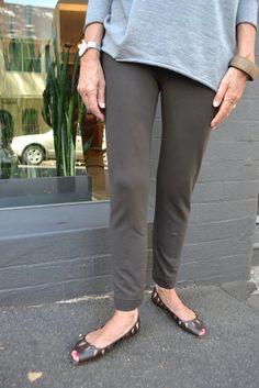 Anita Ponti Pant Pattern - Patterns - Tessuti Fabrics - Online Fabric Store - Cotton, Linen, Silk, Bridal & more