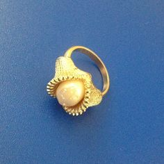 Sarah Coventry mother of pearl ring Didn't use it, size 5.5 , no box Sarah coventry Jewelry Rings