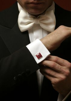 Cufflinks with square head.