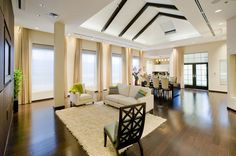 Motorized window coverings offer an unmatched level of convenience, privacy and automation all at the touch of a button. Modern Country, Rustic Modern, Home Decor Bedroom, Living Room Decor, Dining Room, Layout Design, Pottery Barn, Modern Decor, Rustic Decor