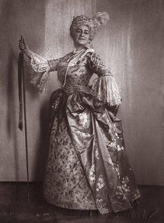Selma Kurz – Austrian Coloratura Soprano - as Manon in 'Manon' by Jules Massenet Vienna Photograph 1913 Coloratura Soprano, Music Composers, Opera Singers, Female Singers, Vienna, The Past, Statue, Photograph, Fancy Dress