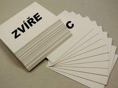 Kdo si z hromady kartiček s různými pojmy vezme co nejvíce? Patrně ten, kdo má širokou fantazii a také ten nejrychlejší a nejbystřejší! Zahrát si mohou mezi sebou i starší děti nebo rovnou dospělí., hry pro děti