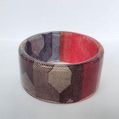 Bangle made from eco resin and  Ankalia Nevaeh wrap scrap  #ankalia #wrapscrapjewellery #wrapscrapandresin #wrapconversion #nevaeh #handmadeinaustralia