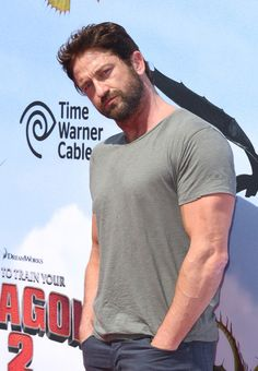 "Gerard Butler Photos Photos - Actor Gerard Butler arrives at the LA premiere of ""How To Train Your Dragon 2"" at the Regency Village Theatre on June 8, 2014 in Westwood, California. - Premiere Of Twentieth Century Fox And DreamWorks Animation ""How To Train Your Dragon 2"" - Arrivals"
