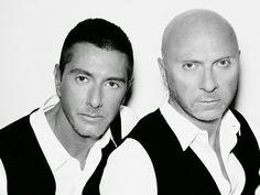 Dolce & Gabbana (muito confundida com a 2° marca D&G de propriedade da própria dupla e que em setembro de 2011 foi extinta )   http://sergiozeiger.tumblr.com/post/94584232193/dolce-gabbana-muito-confundida-com-a-2-marca   É uma marca italiana internacionalmente famosa, criada pelo estilista siciliano Domenico Dolce, (Polizzi Generosa, 13 de agosto de 1958) e pelo vêneto Stefano Gabbana, (Milão, 14 de novembro de 1962), em Milão, na Itália.
