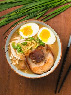 ramen You can make tonkatsu ramen that's as the best ramen joint in town.You can make tonkatsu ramen that's as the best ramen joint in town. Ramen Broth, Ramen Soup, Quick Recipes, Asian Recipes, Cooking Recipes, Simple Recipes, Delicious Recipes, Ramen Noodle Recipes, Ramen Noodles