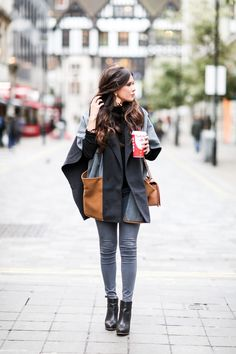 CAPE & HOT COFFEE | LONDON OUTFIT The Sweetest Thing waysify