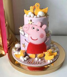 Tortas Peppa Pig, Bolo Da Peppa Pig, Peppa Pig Birthday Cake, Birthday Cake Girls, Pig Cupcakes, Beautiful Cake Designs, Girly Cakes, Mom Cake, Cake Ideas