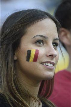 She's so beautiful! Hot Football Fans, Football Girls, Soccer Fans, Soccer Girls, Fifa, South American Women, European People, Hot Fan, Beautiful Muslim Women