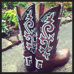 Texas A Custom Painted Cowboy Boots by Bkrafty … Aggie Game, Aggie Football, Boot Scootin Boogie, Texas Forever, Old Gringo, Texas A&m, Painted Shoes, Red Hats, Cowgirl Boots