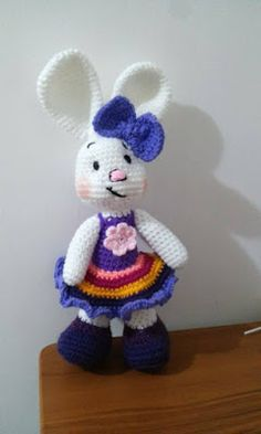 Novedades Jenpoali Rabbit in her dress. Crochet Amigurumi Free Patterns, Crochet Animal Patterns, Stuffed Animal Patterns, Crochet Animals, Crochet Dolls, Free Crochet, Crochet Hats, Minion Crochet, Easter Crochet
