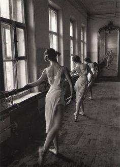 ballet  .. X ღɱɧღ || Cornell Capa. Bolshoi Ballet School. Moscow. 1958