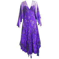 Preowned Zandra Rhodes Purple Floral Silk Chiffon Dress With Floor... ($1,149) ❤ liked on Polyvore featuring dresses, gowns, evening gowns, purple, floral evening dresses, floral maxi dress, sexy evening dresses, floor length evening gown and floral print evening gown