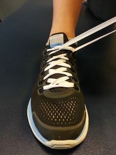 Outside-in lacing technique to help over pronators