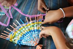 "Weaving with straws and plastic bags for older kids. This could also be made into a small group/big group project. Maybe ""yarn bombing""? Plastic Bag Crafts, Straw Crafts, Recycled Plastic Bags, Recycled Crafts, Yarn Crafts, Craft Activities For Kids, Projects For Kids, Crafts For Kids, Arts And Crafts"