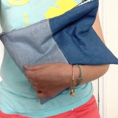 Learn how to make this easy DIY Denim Clutch!  It's easier than you think! :)