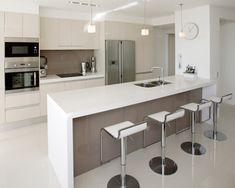 Brilliant Modern Small Kitchen Design Modern Small Kitchen Home And Interior Small Modern Kitchens, Custom Kitchens, Modern Kitchen Design, Interior Design Kitchen, Home Kitchens, Modern Design, Kitchen Contemporary, Modern Bar, Contemporary Design