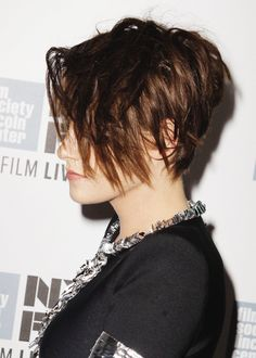 Premiere: 'Clouds of Sils Maria' at New York Film Festival - October 2014 (via palm) Pixie Hairstyles, Pixie Haircut, Pretty Hairstyles, Girl Short Hair, Short Hair Cuts, Short Hair Styles, Cut My Hair, New Hair, Hair Inspo