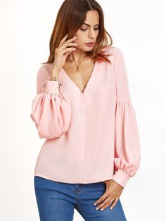 Shop Pink V Neck Bishop Sleeve Top online. SheIn offers Pink V Neck Bishop Sleeve Top & more to fit your fashionable needs. Look Fashion, Hijab Fashion, Fashion Dresses, Womens Fashion, Fashion Design, Sleeve Designs, Blouse Designs, Mode Top, Bishop Sleeve