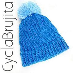 """Crochet y costura la Brujita en Instagram: """"Pom Pom hat <3 @cyclabrujita INFORMACIÓN vía inbox a mi fanpage o vía whatsapp 0987207357 @cyclabrujita #hechoenecuador #craftsposure…"""""""