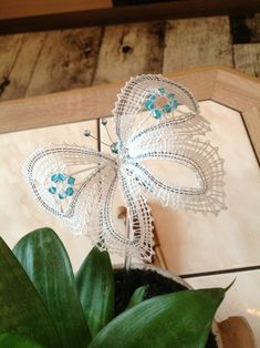 Wire Jewelry Patterns, Lace Heart, Lace Jewelry, Lace Making, Bobbin Lace, Bead Earrings, Lace Detail, Butterfly, Beads