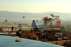 A morning with the balloons #cappadocia #kapadokya #turkey #luxury #hotel #relaischateaux #boutique #museumhotel #uchisar #cave #cavehotel #museum #honeymoon #balayı #butik #otel #manzara #guest #view #panorama #scenery #morning #balloons #balloon #ballooning #guest #amazing
