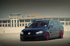 vw passat wagon custom | MK6-Golf-Wagon-Air-Suspension-Bagged-004