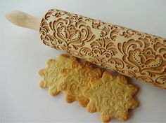 DAMASK Embossing Rolling Pin. Engraved rolling pin with Damask pattern for embossed cookies.