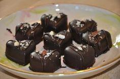 Hjemmelavet fyldt chokolade Homemade Candies, Rocky Road, Chocolate Treats, Snacks, Marzipan, Granola, Pudding, Sweets, Candy