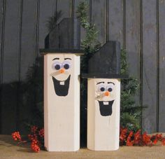 Set of TWO Reclaimed Wood Snowmen. Rustic Primitive Winter Decor. Adorable Wooden Snowman for Table Top, Mantle, Shelves or Porch. Made with Reclaimed Wood that has been Hand Painted. With Brimmed Top