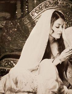 Aishwarya Rai. <3 Bollywood.