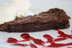 Kladdkaka med nougat | Jennys Matblogg Steak, Beef, Desserts, God, Meat, Tailgate Desserts, Deserts, Steaks, Postres