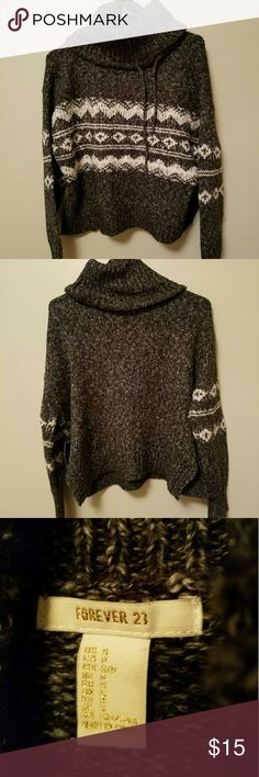 cowl neck sweater gray cowl neck sweater, never worn! still has tag on it. beautiful sweater Forever 21 Sweaters Cowl & Turtlenecks