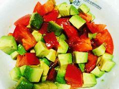 アボカドトマト つわり中や葉酸摂取に。の画像