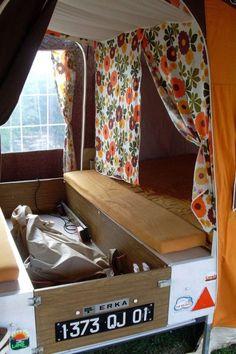 camping dans la caravane pliante :-)