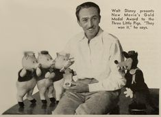 Walt Disney presents New Movie's Gold Medal Award to the Three Little Pigs (The New Movie Magazine; 1934-11)