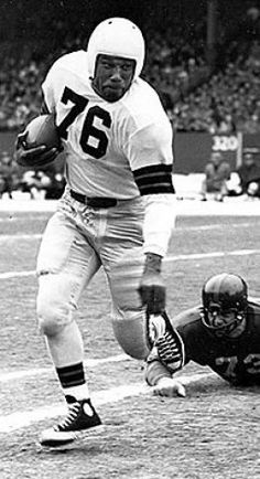"""The great Marion Motley from Canton McKinley High School! Check out those high top """"Chuck Taylors""""! A professional football player wearing Converse on the gridiron. Nfl Football Players, Sport Football, School Football, American Football Cleats, Dodgers, Cleveland Browns Football, Pittsburgh Steelers, Cleveland Rocks, All Star"""