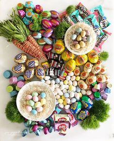 """Look at this gorgeous """"Fresh Spring Confectionery Board"""" you guys! Remember the Valentine's Day confectionery board ( aka charcute. Easter Candy, Hoppy Easter, Easter Treats, Easter Food, Easter Decor, Easter Centerpiece, Easter Table, Easter Eggs, Easter Stuff"""