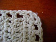 Olá amores, td bem? Estou fazendo essa passadeira de crochê para uma cliente especial, a Sueli daqui de Londrina mesmo. Como eu não tenho g...