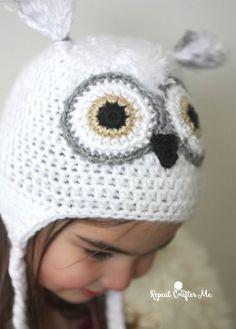 Crochet Snowy Owl Hat (Repeat Crafter Me) Crochet Owl Hat, Owl Crochet Patterns, Crochet Hood, Crochet Kids Hats, Free Crochet, Crocheted Hats, Hat Patterns, Crochet Lace, Crochet Hearts