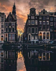 Positive lights  . . @beautifuldestinations @living_europe @destination.earth @earthpix @moodygrams @fantastic_earth . . . .  #amsterdamcanals #vangogh #amsterdam#amsterdamcity #amsterdamlife#amsterdamworld #amsterdamvibe#amsterdamcentraal #VisitAmsterdam#dutch_connextion #amsterdamnoord#igersamsterdam #topamsterdamphoto#bestofamsterdam #iloveamsterdam#loves_amsterdam #igersholland#vscoamsterdam #amsterdamshots#mokummagazine#mokum#amsterdamgram #super_holland#wonderful_holland…