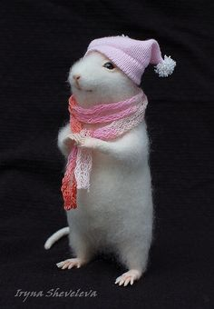 White mouse in a pink hat and scarf.mКупить Веня Шапочкин - белый, розовый, крысы, крыса, Валяние, крыса валяная, войлочная игрушка