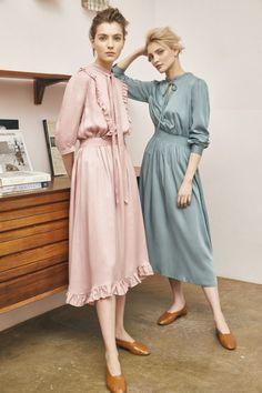 fashion wear - 2019 / Ready-To-Wear / : - Vestidos Vintage, Vintage Dresses, Vintage Outfits, Fashion Tips For Women, Womens Fashion, Fashion Trends, Fashion Wear, Chifon Dress, Modest Fashion