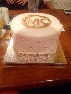 My bf had this made for my birthday!!! A gorgeous Michael Kors cake!!! ❤️❤️❤️❤️❤️