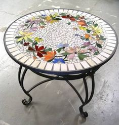 Resultado de imagem para mosaic tables