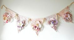 Banner using paper flowers Paper Banners, Pennant Banners, Arts And Crafts, Paper Crafts, Diy Crafts, Diy Paper, Bunting Garland, Garland Ideas, Buntings