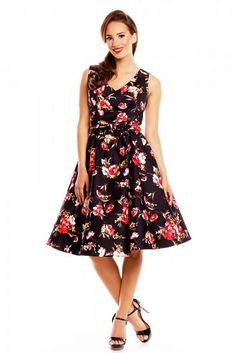 Nádherné šaty s nádherným potiskem růžových květů na černém podkladě pro dokonalé dámy. Jsou vhodné na svatby pro svědkyně či družičky, na zahradní párty, na dovolenou nebo na běžné nošení pro slunečné dny. Zajímavě řešené vpředu, výstřih překřížený, skvěle sedne a neotvírá se, v pase našitý pásek, nabrané s rozšířenou sukní, zapínání na krytý zip na zádech s výstřihem. Součástí pásek se sponou potaženou látkou ve stejném vzoru. Příjemný strečový materiál (95% bavlna, 5% elastan).