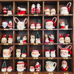 35 Festive Christmas Wall Decor Ideas that will Instantly Get You into the Holiday Spirit - The Trending House Christmas Door, Christmas Balls, Christmas Time, Christmas Wreaths, Christmas Ornaments, Christmas Ideas, Christmas Pictures, Christmas Stuff, Holiday Ideas